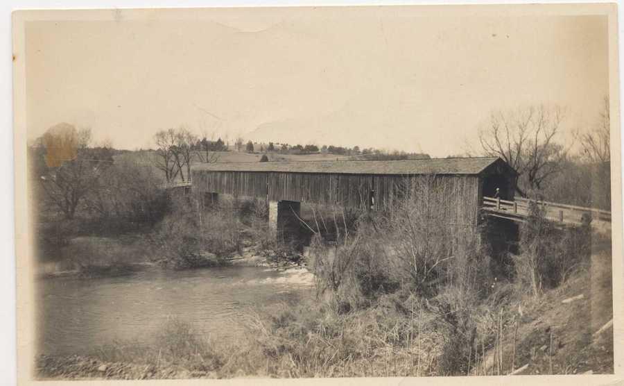 Covered bridge 1931.jpg